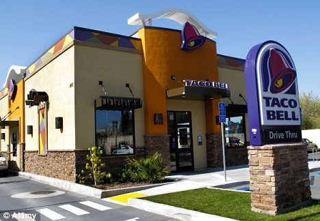 Alleged drunk orders Taco Bell while cops wait