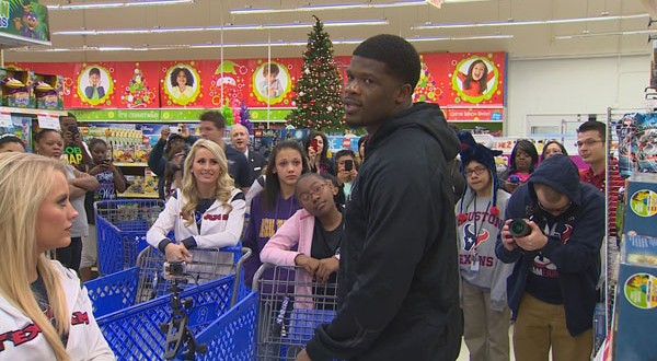 Hey Santa, #80's got your back!  Texans Andre Johnson spends $17K at Toys R Us for needy kids