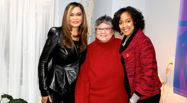 Tina Knowles joins The Art Project, others to paint with a purpose for Houston's homeless