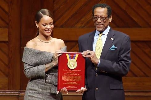 Rihanna receives Humanitarian of the Year Award from Harvard University
